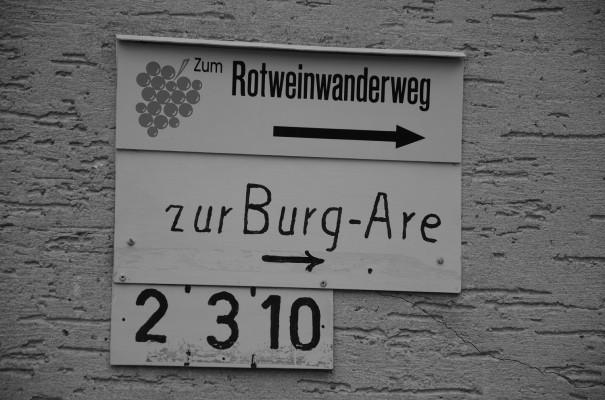 Aufstieg zum Rotweinwanderweg und zur Burg Are © entdecker-greise.de