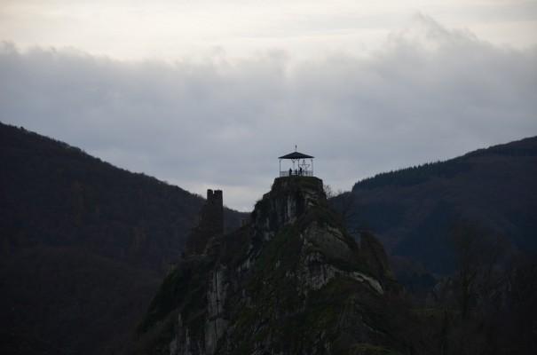 Noch ein Blick zurück: Aussichtspunkt Burg Are © entdecker-greise.de