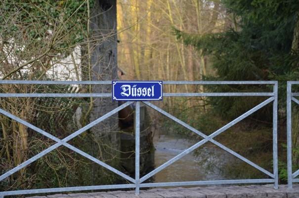 Die Düssel im Stadtkern von Gruiten ©entdecker-greise.de