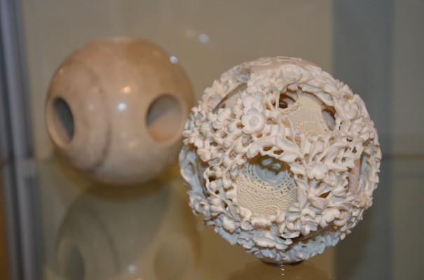 Die Chinesische Sphärenkugel aus Elfenbein, von Otto Potsch ©entdecker-greise.de