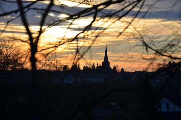 ... ich erreiche Neunkirchen kurz bevor die Sonne sich langsam verabschiedet. ©entdecker-greise.de