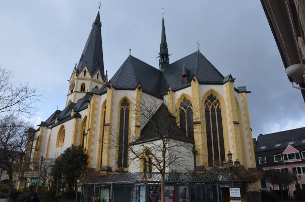 Die  Laurentius Kirche im Stadtkern von Ahrweiler ©entdecker-greise.de