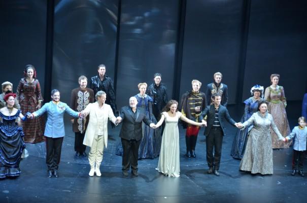 Das Ende einer grandiosen Elisabth Aufführung im Colosseum Theater, in Essen ©entdecker-greise.de