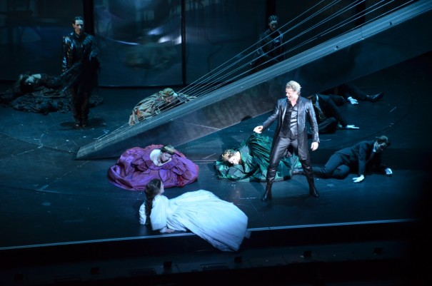 Der Tod ist enttäuscht und hofft auf den letzten Tanz, bei dem er Elisabeth endlich für sich alleine hat ©entdecker-greise.de