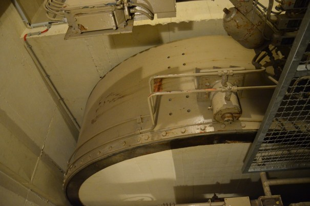 Unglaublich, was man hier konstruiert hat - ein MAN Rolltor aus 25 Tonnen Stahl und Beton ©entdecker-greise.de