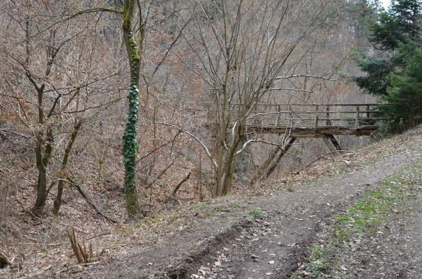 Zum Glück sind wir unter diesen alten Brücke nur drunter her gelaufen ;-) ©entdecker-greise.de