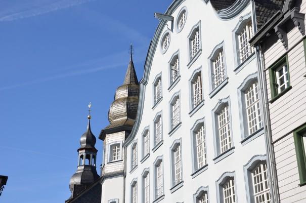 Der Stadtkern von Monschau ist äußerst abwechslungsreich, was sich auch in der Architektur wiederspiegelt. ©entdecker-greise.de