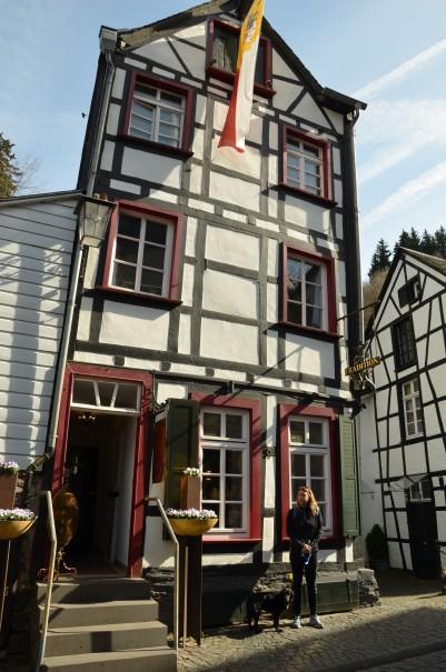 Wunderschöne alte Fachwerkhäuser bestimmen das Stadtbild von Monschau. ©entdecker-greise.de