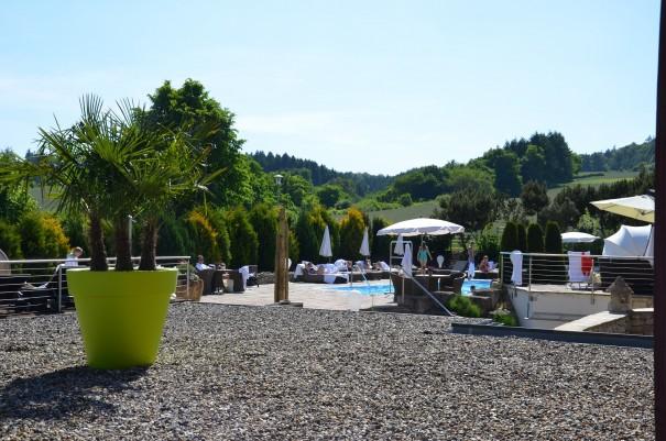 Der Außenpool samt Wellnessgarten - eine herrliche Oase zum genießen! ©entdecker-greise.de