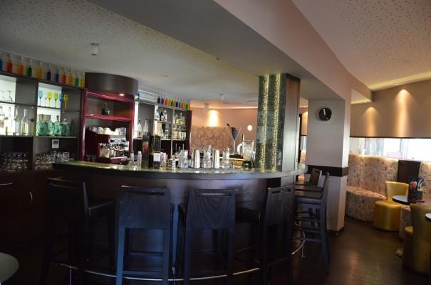 In der gemütlichen Bar kann man den Abend gemütlich bei dem ein oder anderen Gläschen ausklingen lassen ... ©entdecker-greise.de