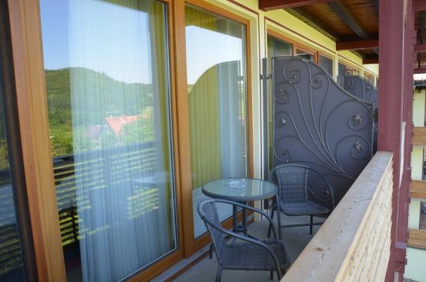 Mein kleiner Balkon mit großer Aussicht - das Hotel FREUND inmitten herrlichster Natur! ©entdecker-greise.de
