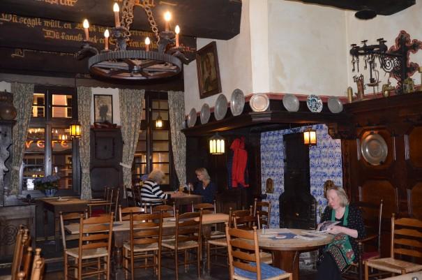Im Brauhaus Pinkus kann man nicht nur die leckerste Altbierbowle trinken, auch das Essen hier ist ein Genuss ... probiert es einfach mal aus ... ©entdecker-greise.de