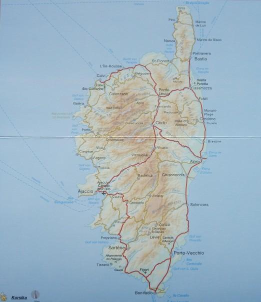 Abgerundet wird der informative Korsika Reiseführer durch einen Serviceteil, sowie zahlreiche Übersichtskarten, von denen eine herausnehmbar ist. ©entdecker-greise.de