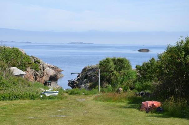 Campingplatz und Hüttenverleih Lindesness ... wer möchte baut sein Zelt gleich vorne am Meer auf ... auch Wohnmobile sind herzlich willkommen ... ©entdecker-greise.de