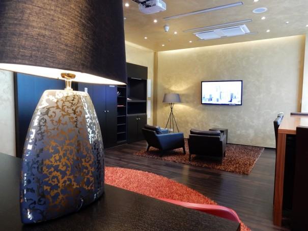Die Outlook Lounge zum gemütlichen Chillen im Lindner Hotel am Ku`Damm ©entdecker-greise.de
