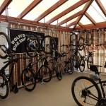 Damit das Radfahren hier auf Korfu auch wirklich zum Vergnügen wird hat Corfelios für seine Gäste eine große Auswahl an hochwertigen Mountainbikes auf Lager! ©entdecker-