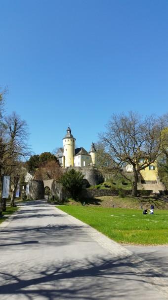 Start- und Endpunkt des Klangpfades bei Nümbrecht ist Schloss Homburg. ©entdecker-greise.de