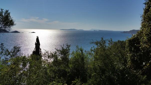 Wunderbare Ausblicke während der Wanderung nach Arillas! #corfelios ©entdecker-greise.de