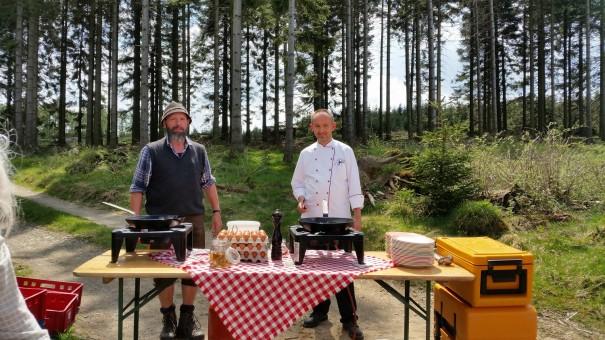 Ein ganz besonderes Deimann Highlight - Wanderrast mit Outdoorküche! ©www.entdecker-greise.de