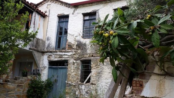 Ein wunderschöner lost place von Nikiti. ©www.entdecker-greise.de #corfelios
