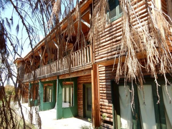 Was für ein spannendes Erlebnis, die Wanderung zum Geisterhotel von Sithonia, mit Wanderguide Alex. ©www.entdecker-greise.de #corfelios